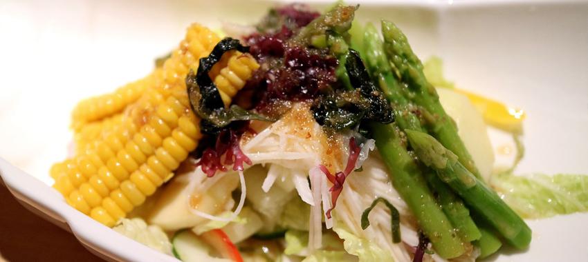 Réalisation d'une salade printanière